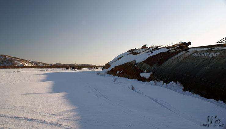 abandoned-frozen-ships-10