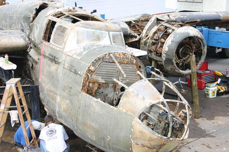 b25-airplane-bomb-island-06