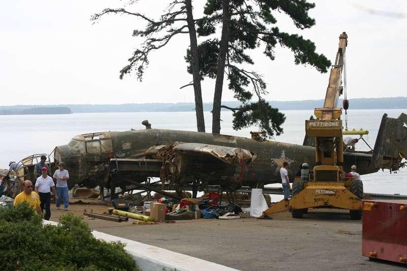 b25-airplane-bomb-island-09