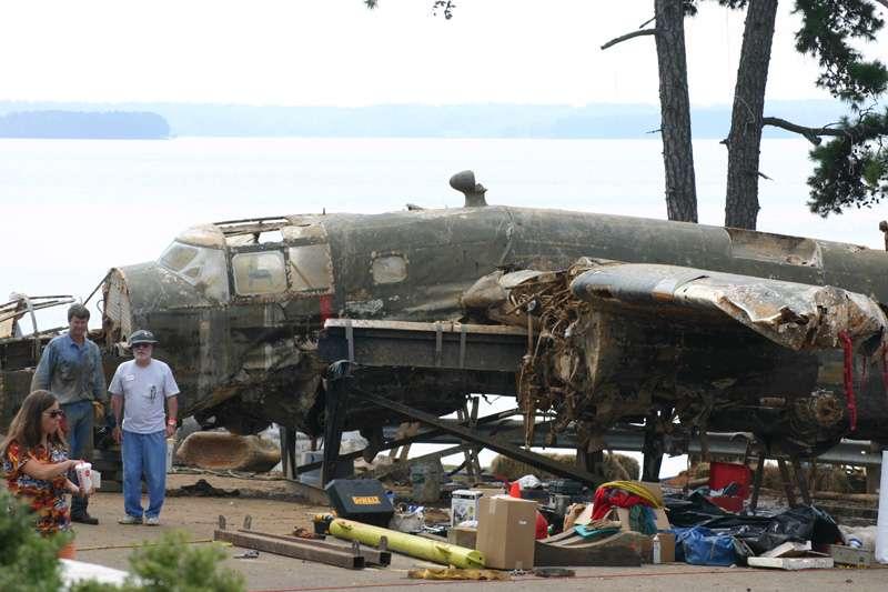 b25-airplane-bomb-island-10