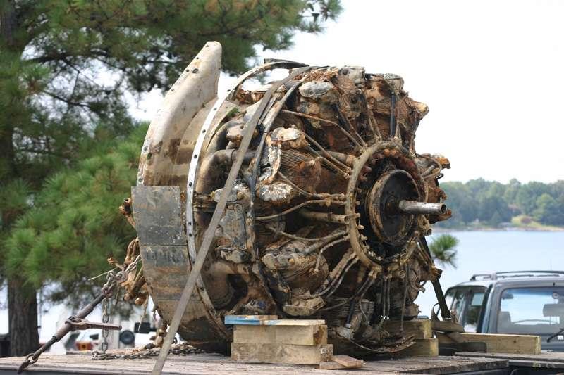 b25-airplane-bomb-island-11