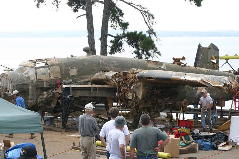 b25-airplane-bomb-island-13