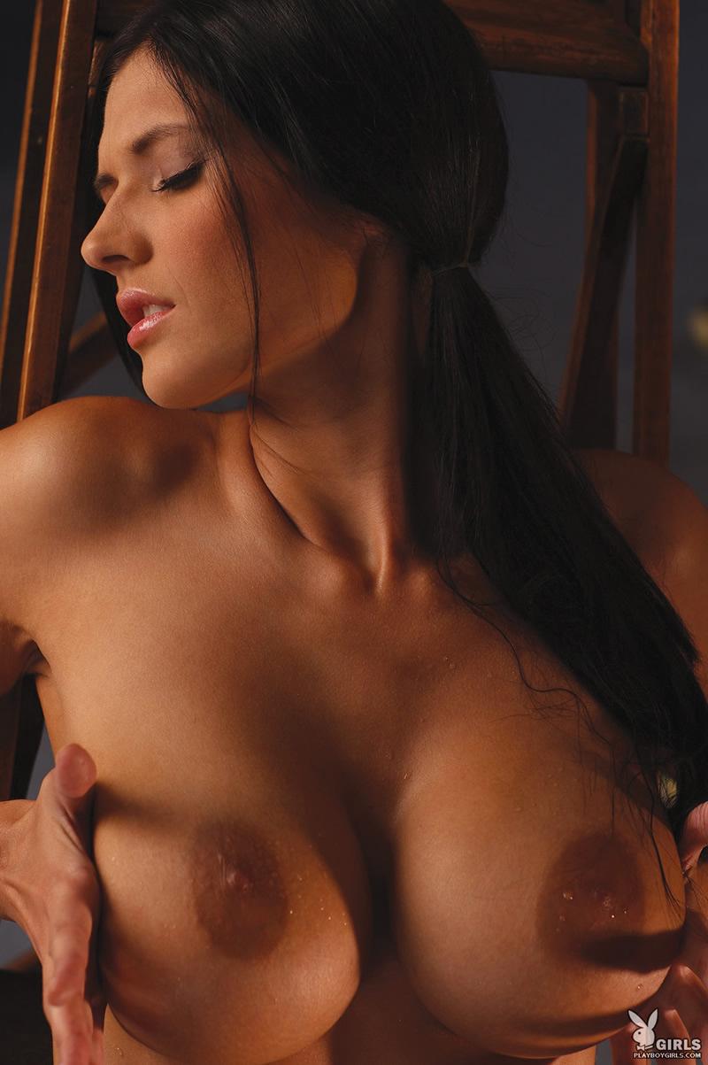 brunette-130209-12