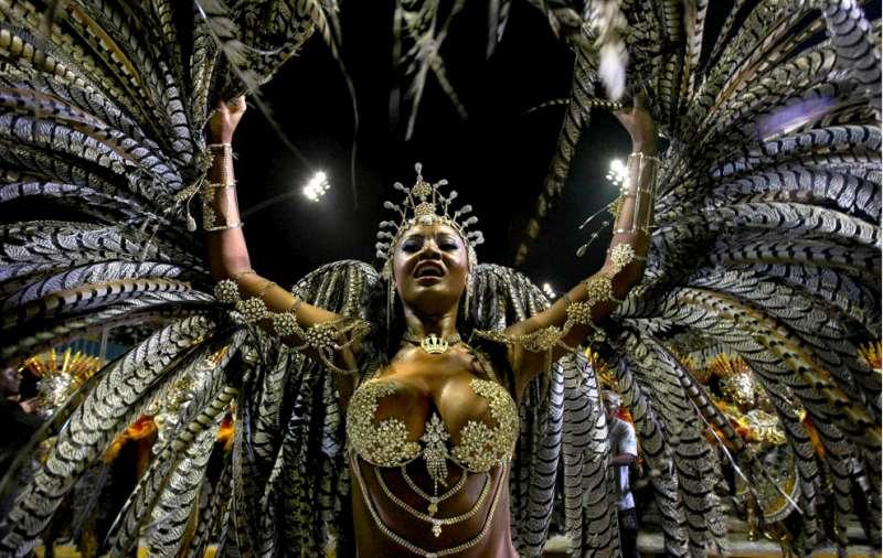 carnival-season-03