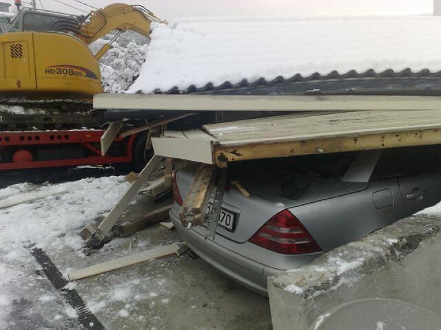 garage-car-crash-02