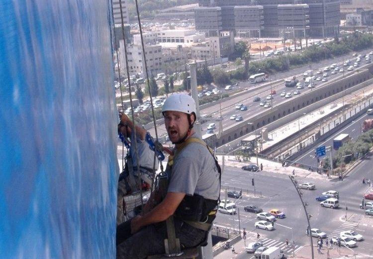 hard-rik-job-07