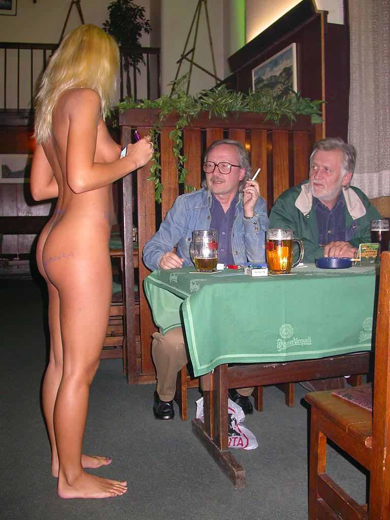 все официантки проститутки