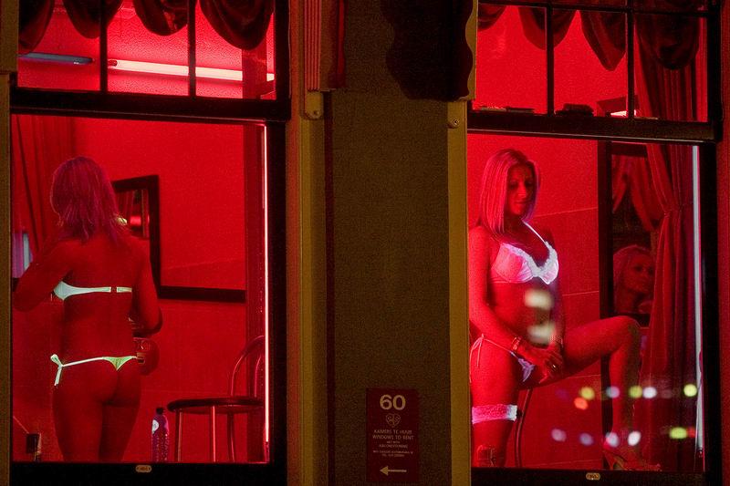 крупно фото пизды из амстердамских борделей - 14