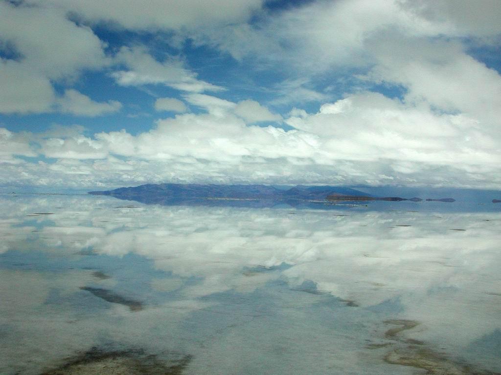 salar-de-uyuni-biggest-mirror-01