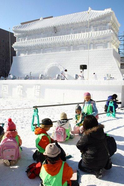 sapporo-ice-festival-japan-2009-18