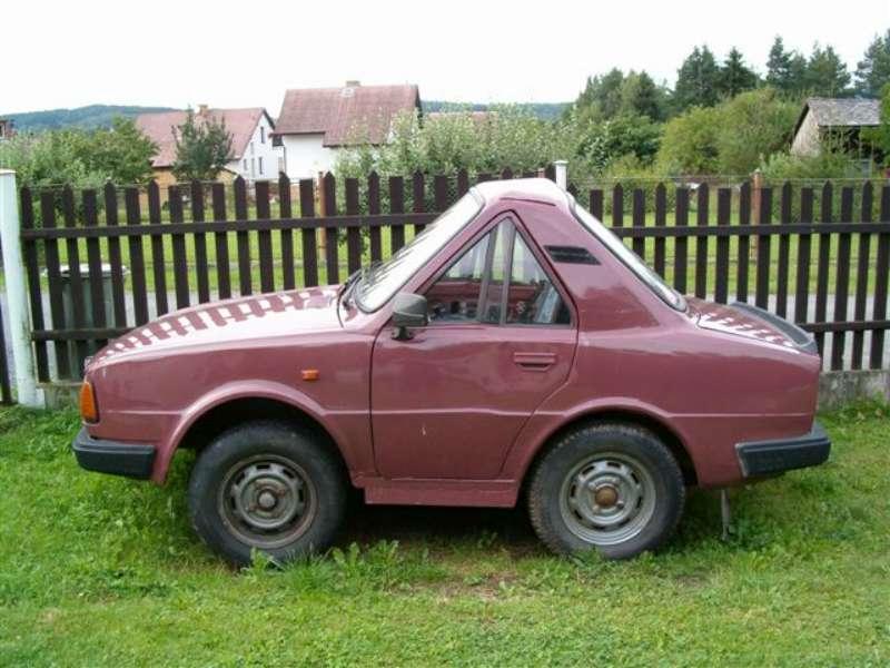 странный автомобиль