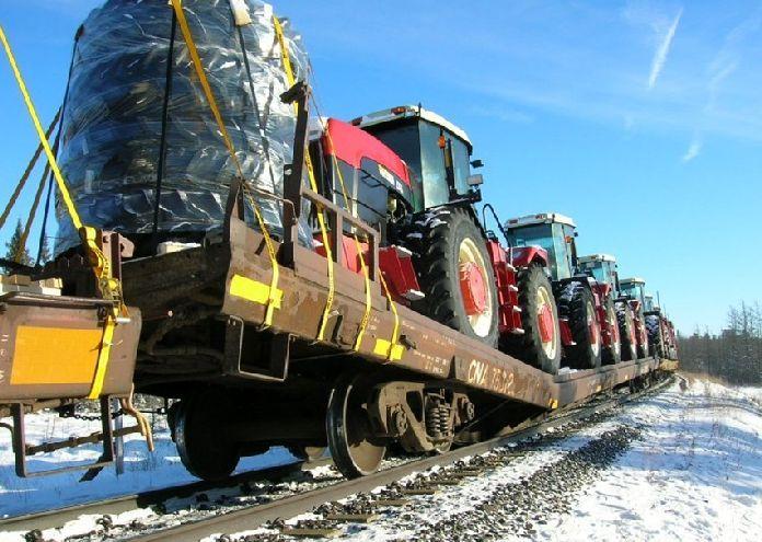 tractors-on-platform-01