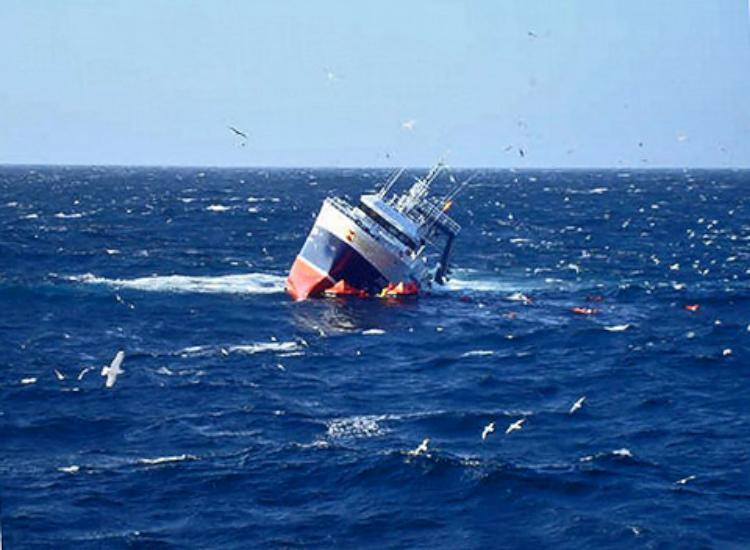 fishing-trawler-monte-galineiro-02