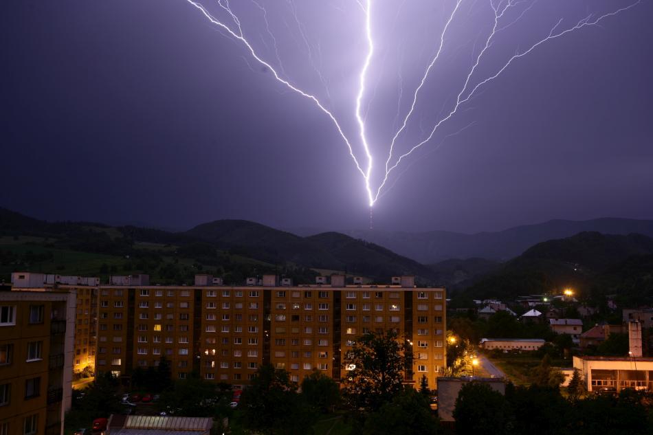 lightning-01