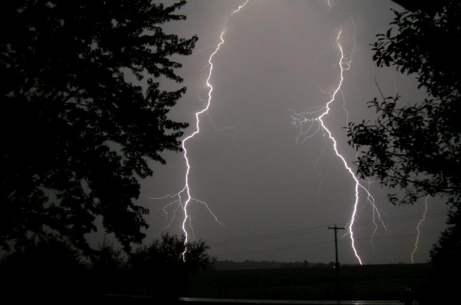 lightning-04