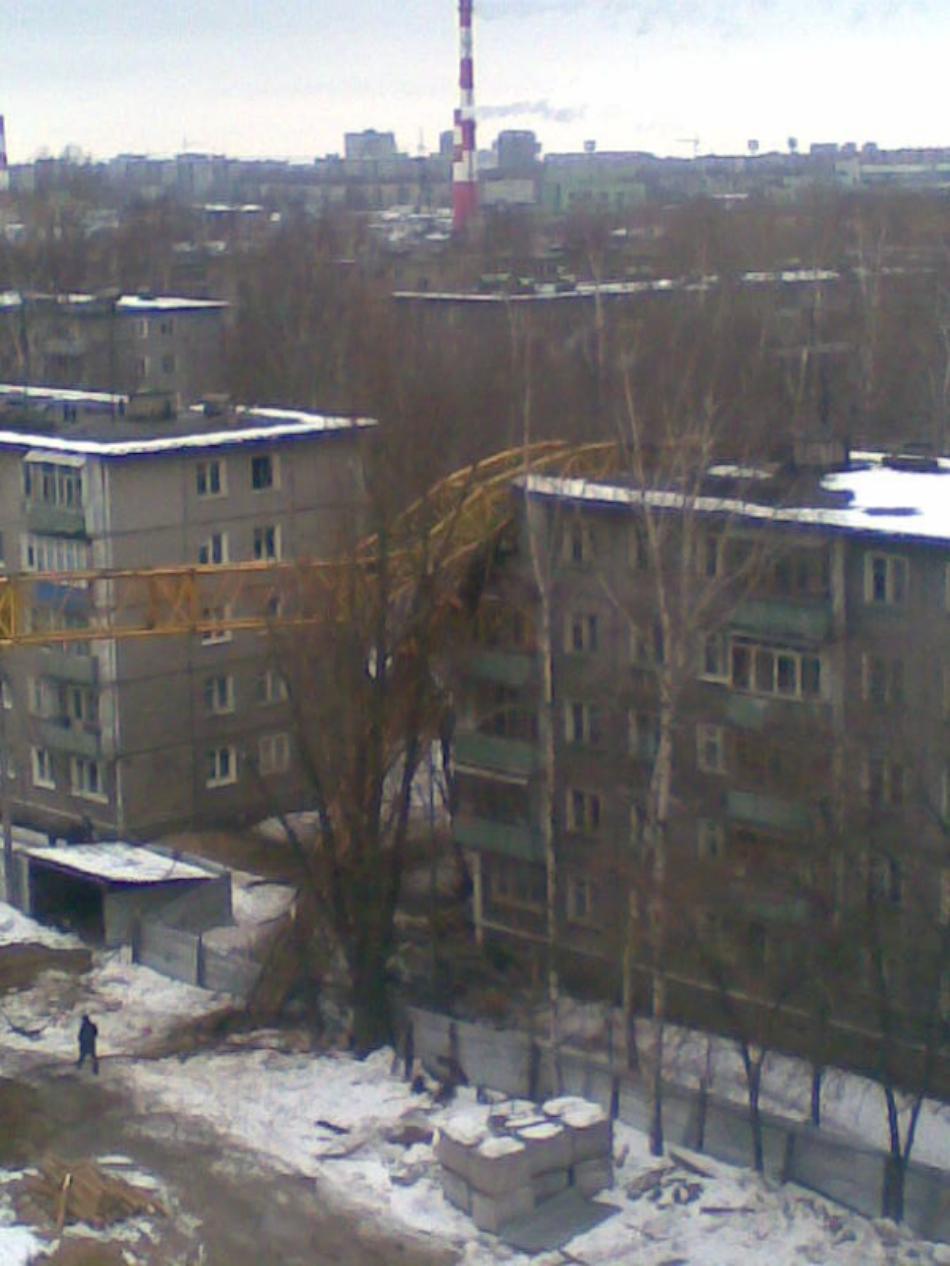 padenie-krana-v-novgorode-03