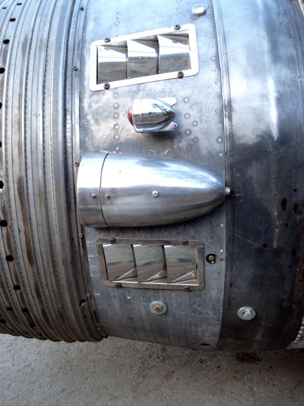 rocket-car-03
