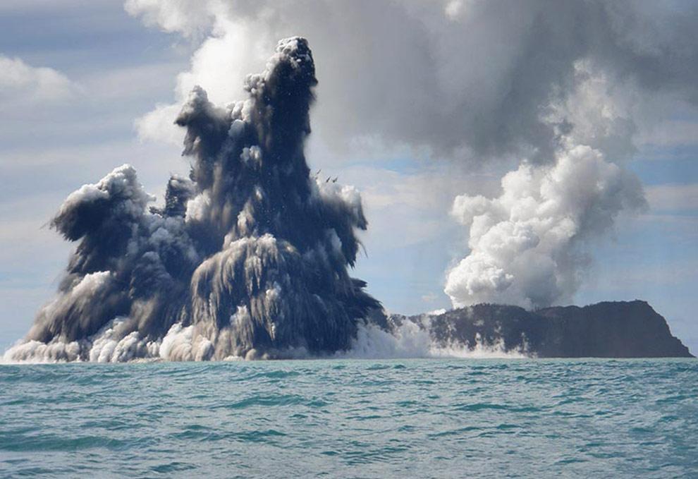 volcano-tonga-07