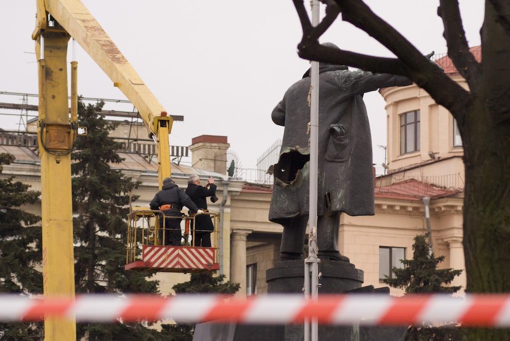 взрыв памятника Ленину на площади у финляндского вокзала