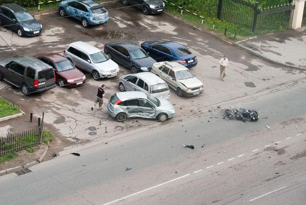 moto-crash-120509-02