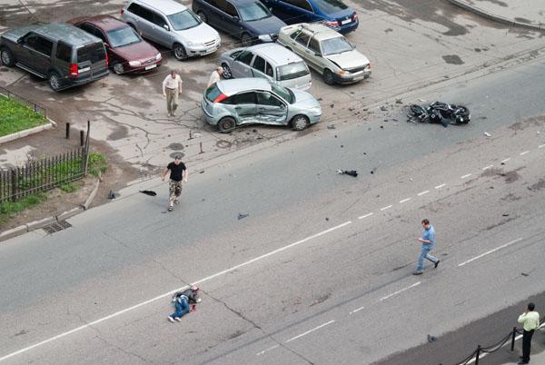 moto-crash-120509-03