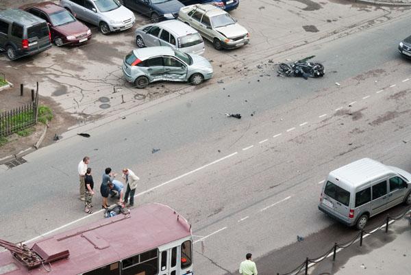 moto-crash-120509-06