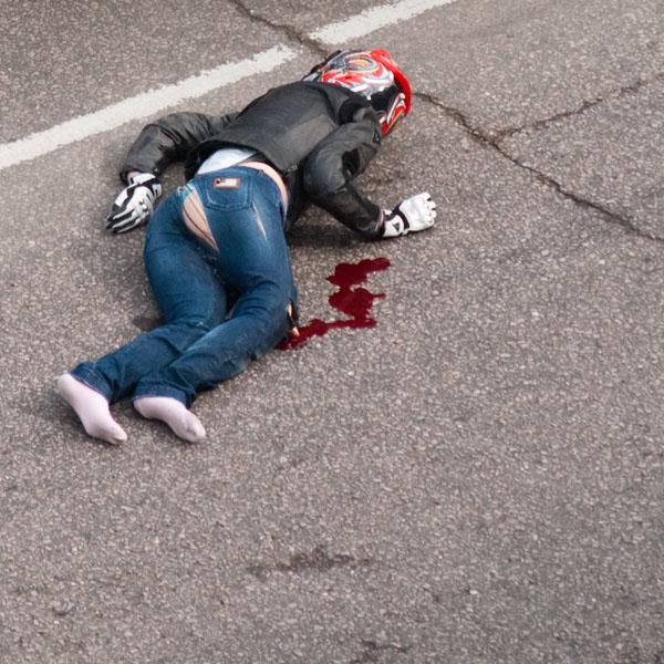 moto-crash-120509-07