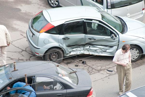 moto-crash-120509-08