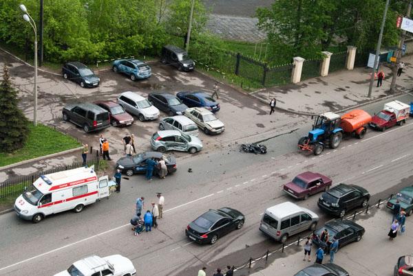 moto-crash-120509-12
