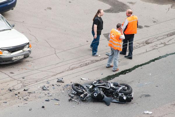 moto-crash-120509-13