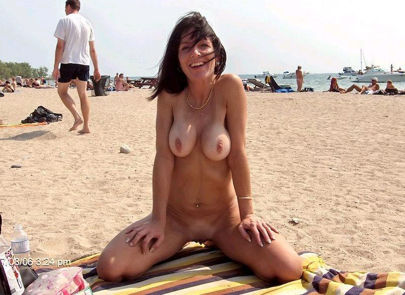 Фото нудистов на пляже, семейный нудизм и фото голых 60