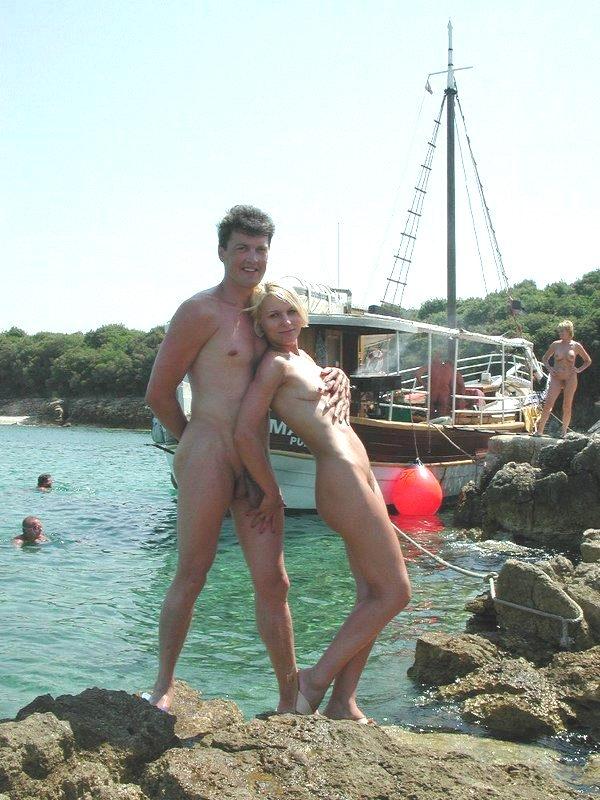 nude-beach-35