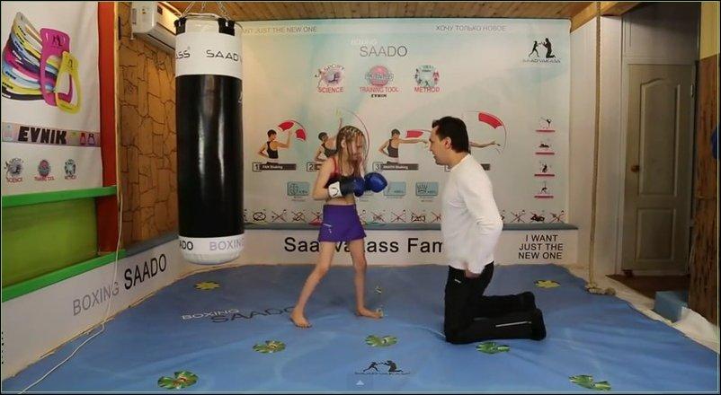 8-летняя боксерша