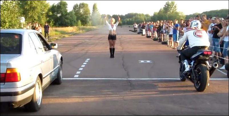 Невероятная гонка автомобиля и мотоцикла