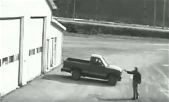 Автоугонщик не справился с механической коробкой передач