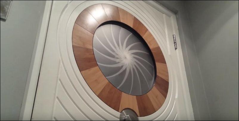 Самый необычный дверной глазок
