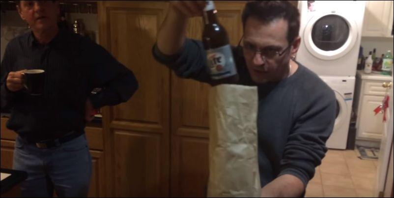 Фокус - исчезающая бутылка