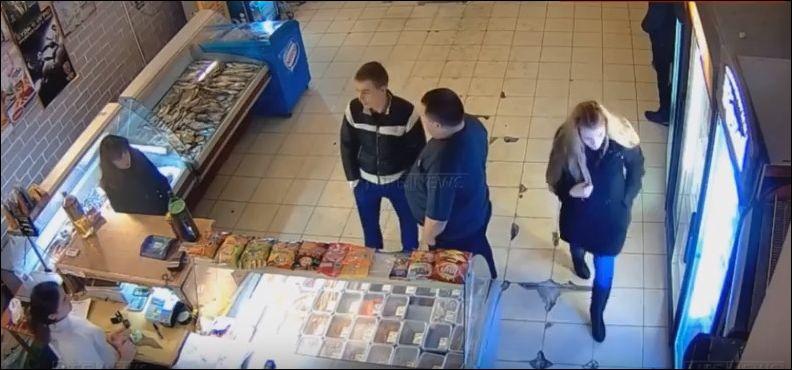 Охранник обезоружил дебошира и поставил его в угол