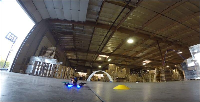 Гонка дронов по складу