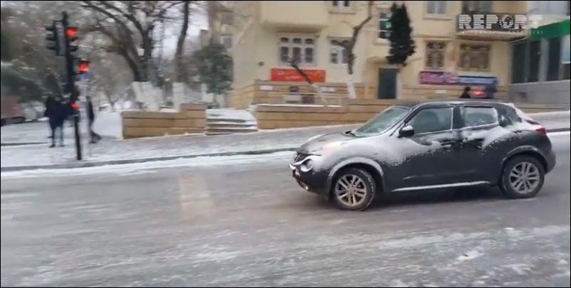 Гололед в Баку