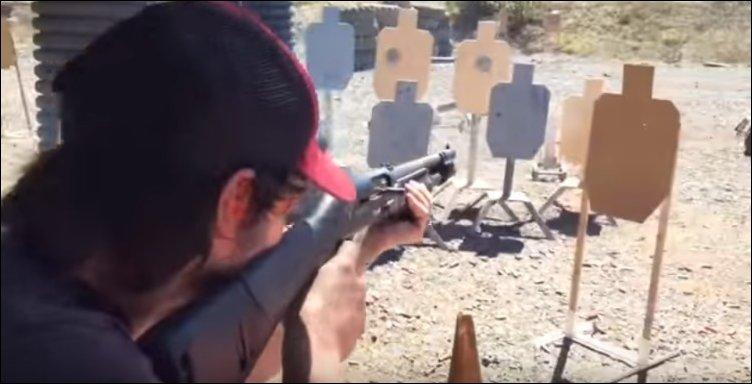 Как на самом деле Киану Ривз владеет оружием