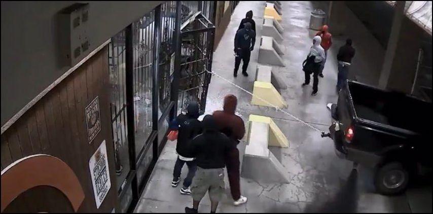 texas-gun-store-robbery-001
