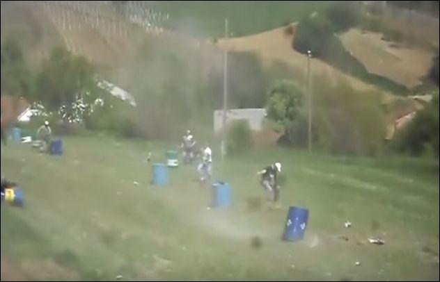 Запуск бочек в воздух