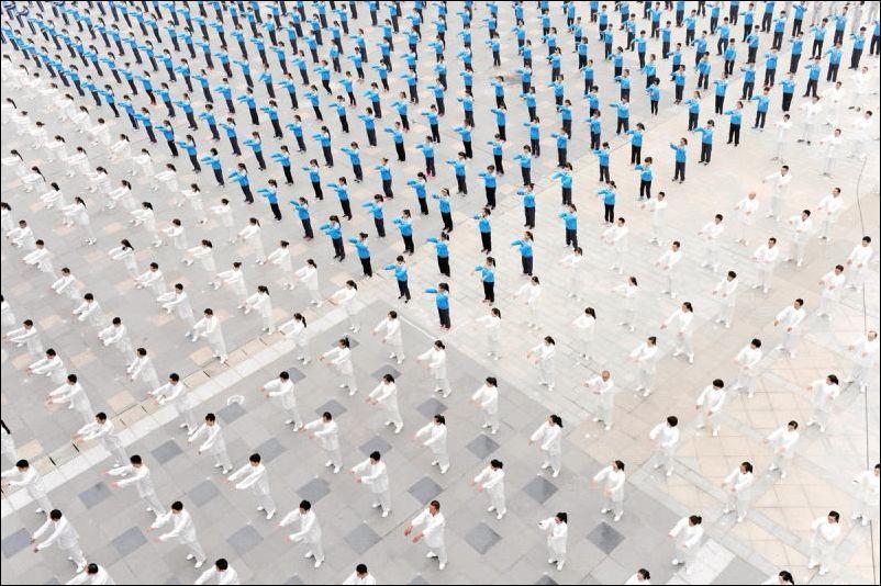 Китайское искусство толпы (29 фото)