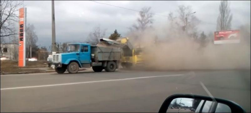 Как чистят дороги в разных странах мира