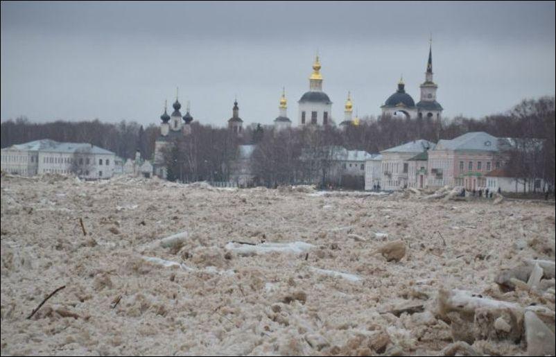 Наводнение в Великом Устюге (24 фото)