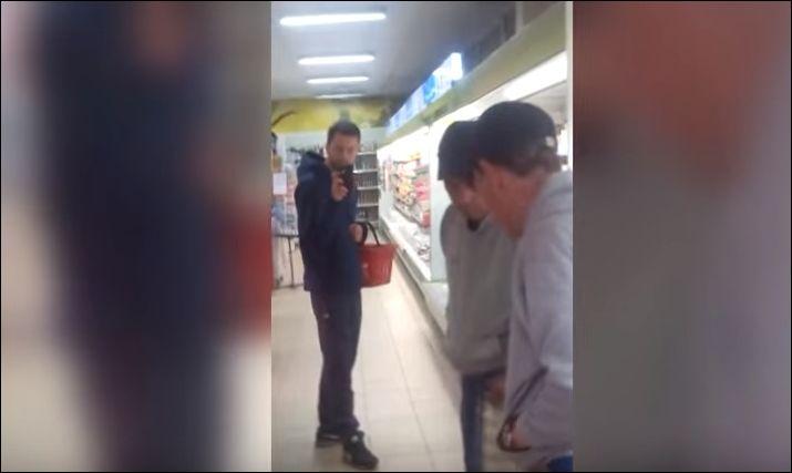 Пьяный и зеркало в магазине