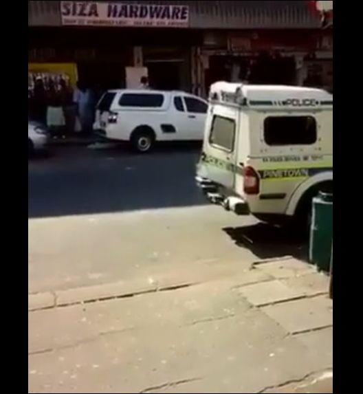 Дерзкий побег из полицейской машины