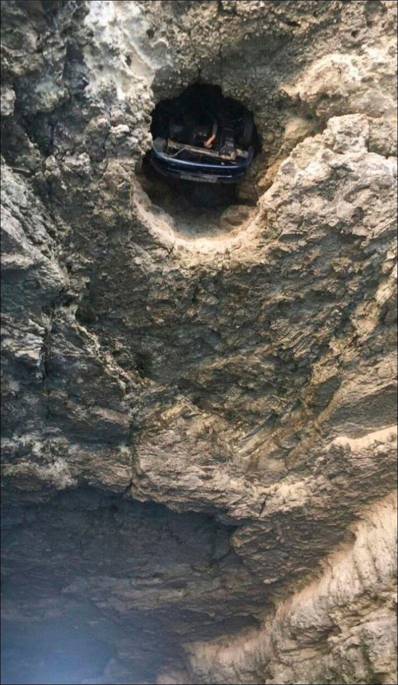 car-stuck-002