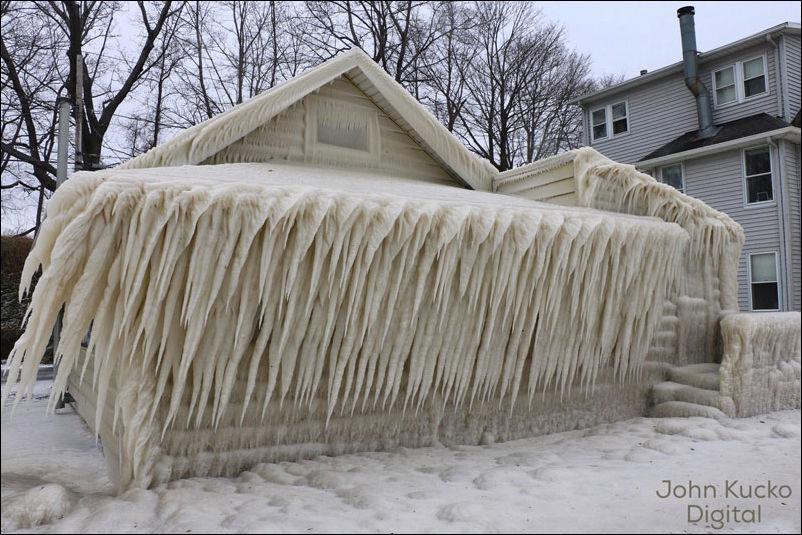 house-ice-002
